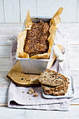 Dark, low-carb flaxseed bread (gluten-free)