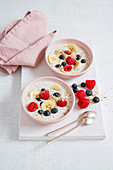 Gluten-free fresh cereal with berries