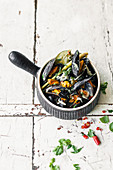 Mussels in Thai broth