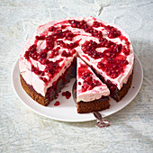 Lingon berry and poppyseed poke cake
