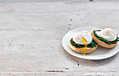 English Muffins with poached eggs and spinach
