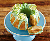 A small lime tofu cake with green icing
