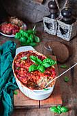 Hackfleisch-Kohl-Auflauf mit Tomatensauce