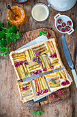 Rhabarber-Himbeer-Pie mit Honig
