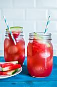 Erfrischender Melonendrink mit Wassermelone
