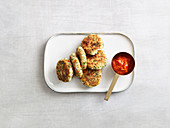 Cottage cheese and spelt fritters with an ajvar dip (low carb)