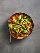 Low carb minestrone with courgette noodles, beans and pesto (low carb)