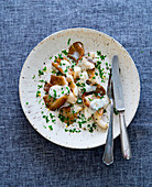 Oyster mushrooms with parsley sauce