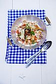 Meeresfrüchtesalat mit weissen Bohnen