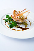 Pheasant breast with grapes, lamb's lettuce and bacon