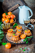 Mini cakes with tangerine and caramel