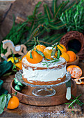 Tangerine zest spiced sponges cake with cream cheese