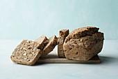 Haselnuss-Apfel-Brot
