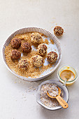 Amaranth chocolate balls with sesame seeds
