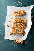 Muesli bars with dried fruit