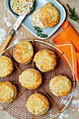 Cheese scones with thyme