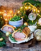 Filet Wellington zu Weihnachten, angeschnitten