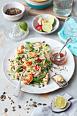Soya noodles with baked salmon and green bean