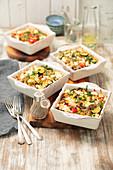 Gemüsegratin mit Reis, Feta und Kichererbsen