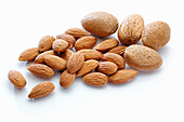 Almonds, unshelled and shelled