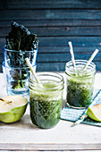 Kale and green apple smoothie