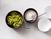 Kiwi salad with poppyseed cream