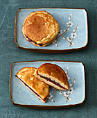 'Dorayaki' – pancake sandwich filled with yude azuki (Japan)