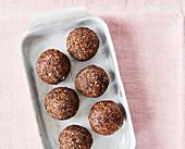 Sugar-free oatmeal energy balls