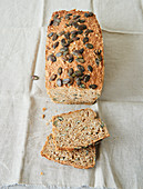 Oat bread with carrots and pumpkin seeds