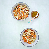 Carrots and elbow macaroni with almonds and honey