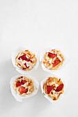 Kokosnuss-Erdbeer-Muffins
