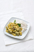 Pork curry with apple and yoghurt