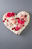 A Mother's Day heart with meringue and macaroons