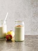 Apple cake smoothie with almond mousse, quark and amarettini