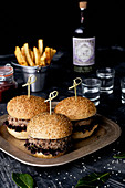 Hamburguer with fries and liquor
