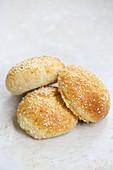 Burger buns (sesame buns)