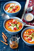Lentil and tomato cream soup