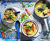 Misosuppe mit Chili, Tofu und Wakame (Asien)