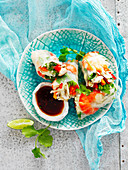 Rice paper prawn roll