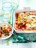 Canelloni mit Ricotta-Pilzfüllung und Tomatensauce