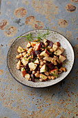 Beetroot and apple salad with chickpeas