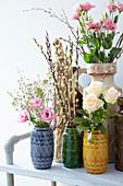 Frühlingssträuße mit Eustoma und Rosen
