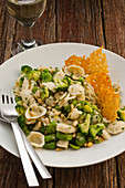 Pasta with broccoli and broad bean