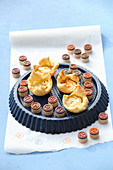 Puff pastries with fig cheese