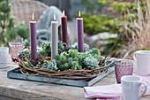 4 Kerzen in Kranz aus Echeverien und Hauswurz