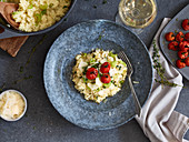 Oven-risotto with cherry tomatoes