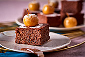 Fondant au chocolat with apples