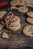 Cinnamon cookies with dried cherries
