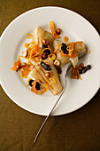 Chicory with orange and hazelnuts