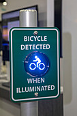 Intelligent bicycle warning sign